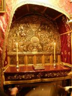 800px-Grotto_of_the_Nativity_Orthodox_Altar