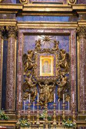 Interior_of_Santa_Maria_Maggiore_(Rome)_12